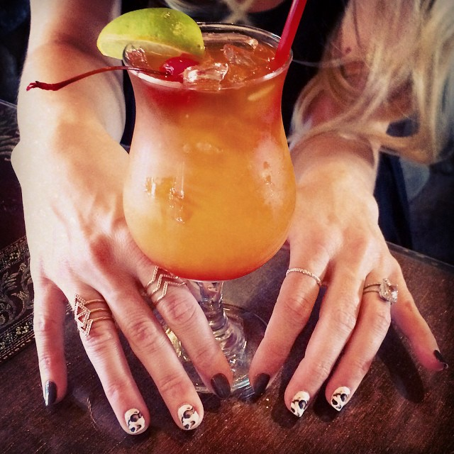 drinks + nails + rings
