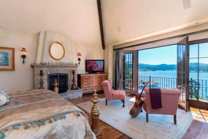 Lake Arrowhead homes for sale - estates on the lake