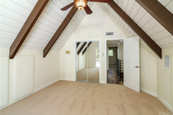 lake arrowhead house for sale - open floor plan and lots of light