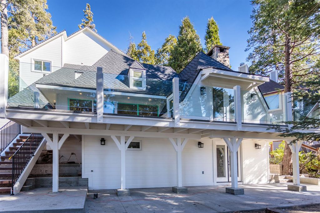 lakefront house in lake arrowhead