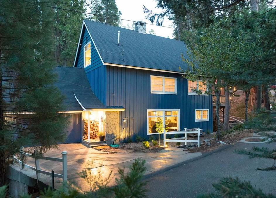 Blue house in Lake Arrowhead, California