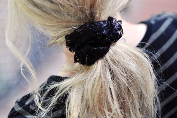 DIY Lace Scrunchie how-to tutorial 7