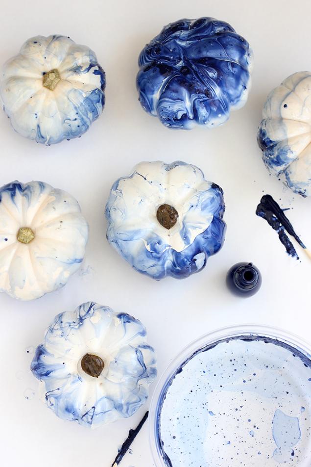 blue indigo marbled pumpkins diy with nail polish