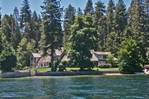 Sunday House Crush // Lake Arrowhead Waterfront Estate