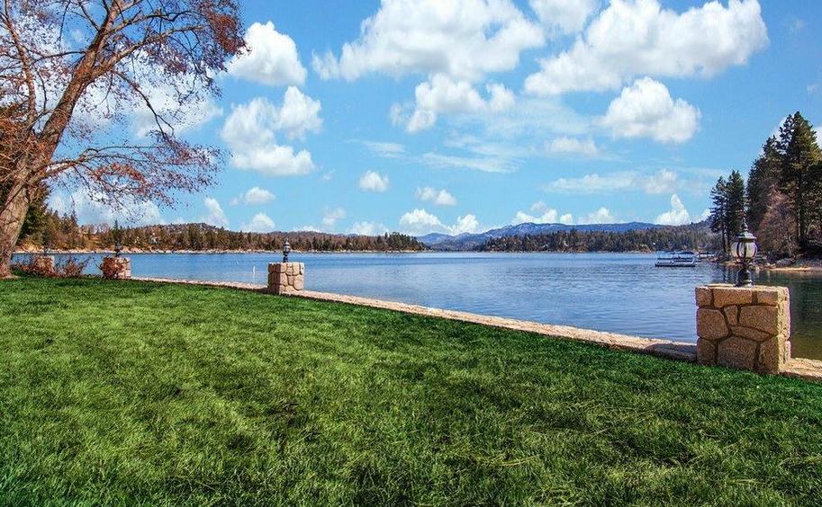 Lake Arrowhead waterfront home