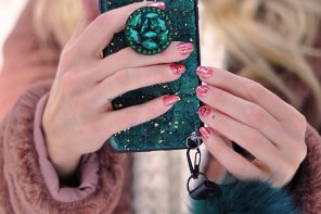 This & That // Current Obsession with Green, Vintage Louis Vuitton & Valentine's Day Nails