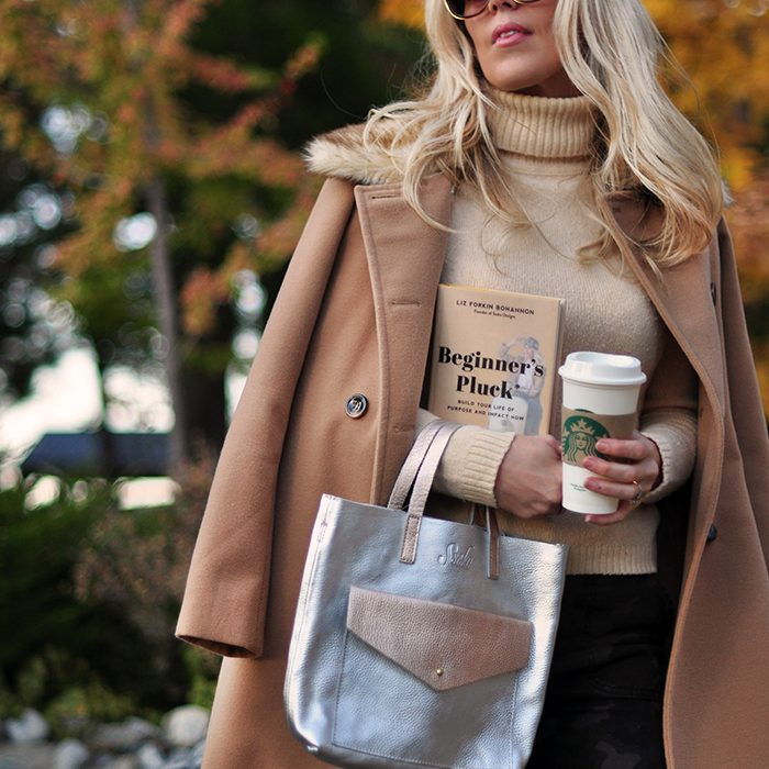 fall style-cozy camel-beginners pluck book review-sseko bag