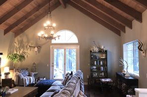 Home Decor // Mountain House Rustic Living Room