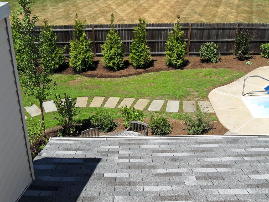 DIY landscaping // exterior ideas