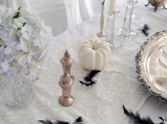 spooky haunted mansion tabletop decor for halloween