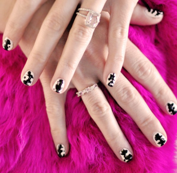 Black and white inkblot nails