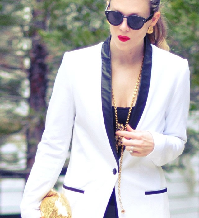 90s look-white blazer- 2 red lips-gold accessories
