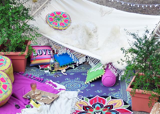 Boho Backyard escape-hammock 5
