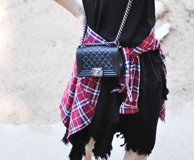 Chanel boy bag_plaid flannel around the waist
