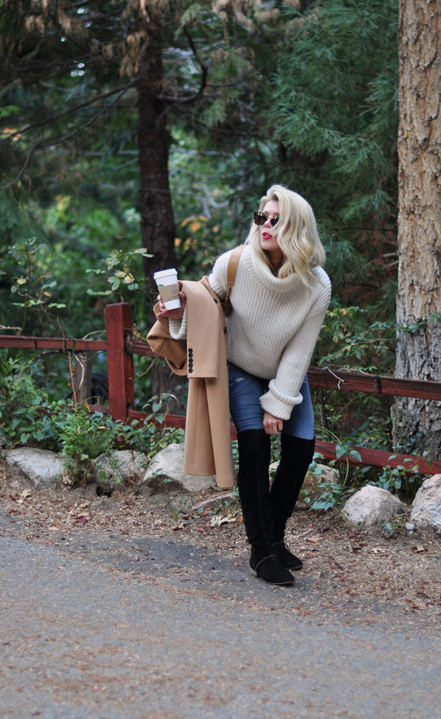 cozy-chic-winter-style_camel-coat_suede-boots