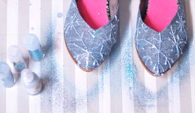 DIY Elsa glitter snowflake shoes