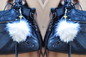 DIY Faux Fur & Feathers Bag Charm POM!