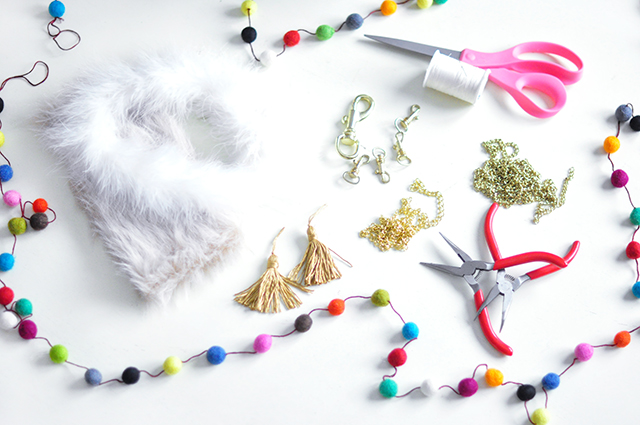 DIY Faux Fur and Feathers Bag Charms_1