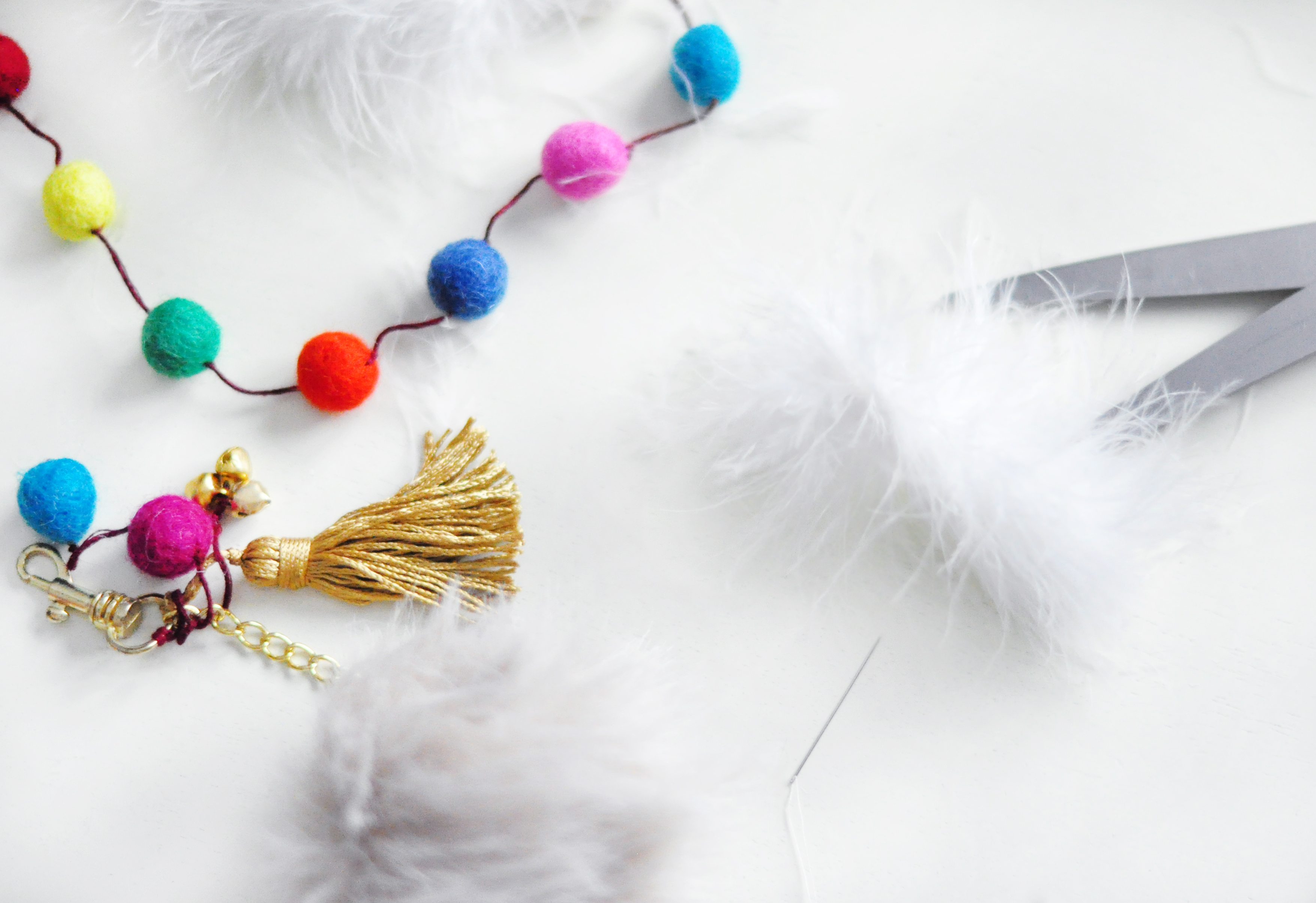 DIY Faux Fur and Feathers Bag Charms_11