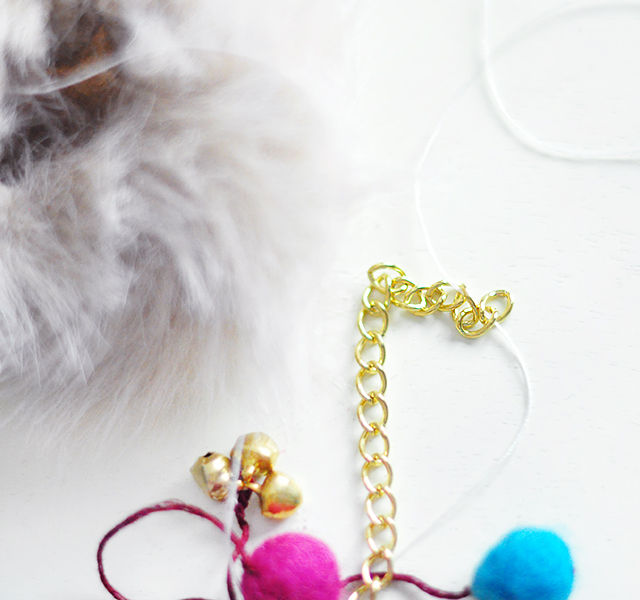 DIY Faux Fur and Feathers Bag Charms_9