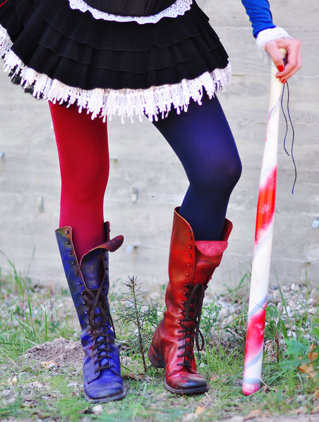 DIY Harley Quinn Arkham Knight two-toned tights and boots