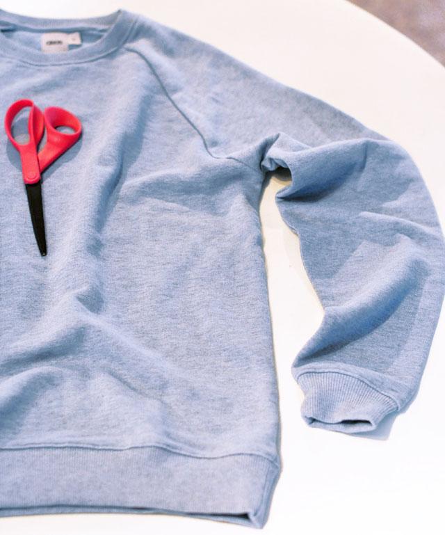 DIY Slashed sleeve sweatshirt-2