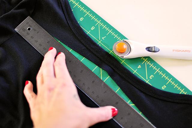 DIY Sliced t-shirt tutorial-3