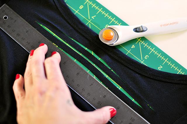 DIY Sliced t-shirt tutorial-4