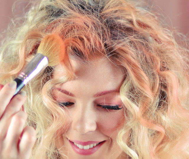 DIY-Temporary-Hair-Color-eyeshadow-5