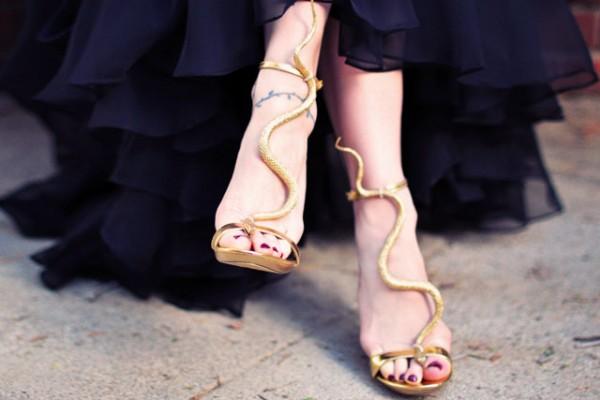 DIY-snake-shoes-serpent-T-strap-sandals