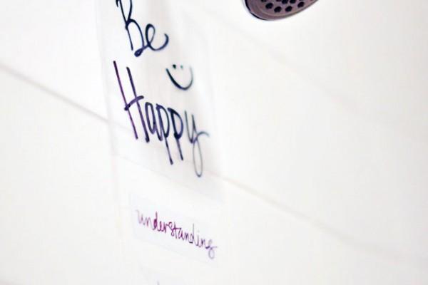 DIY vinyl wall art for your shower or bath-kids fun diy