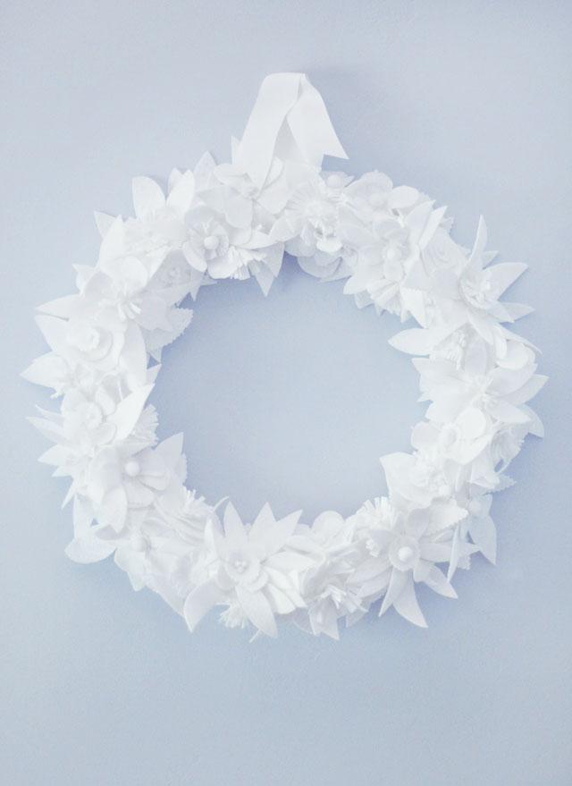DIY white winter floral leaf wreath