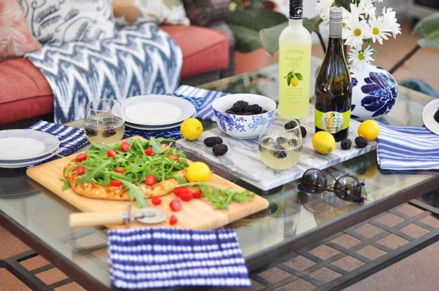 Ecco-Prosecco-cocktail_blueberry limoncello_pizza party