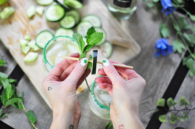 Emerald Isle Wine Cocktail garnish_St Patrick's Day nails