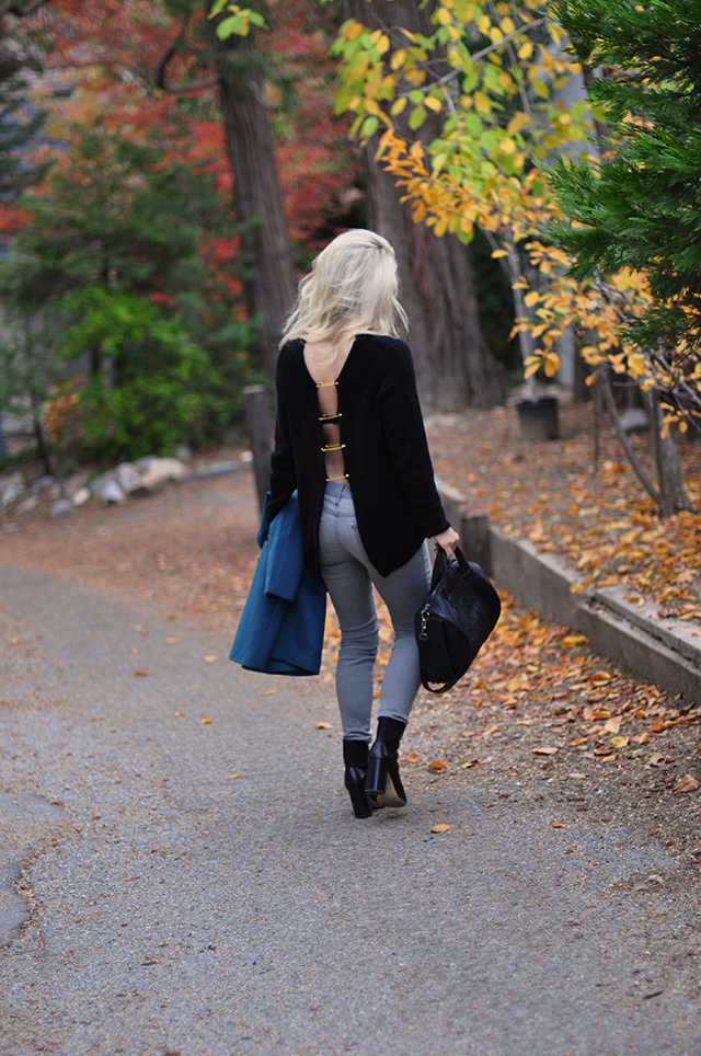 fall-style_open-back-safety-pin-sweater