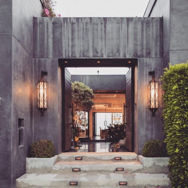 Grand front entrance_FORM LA