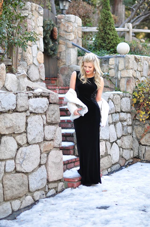 holiday-dress_-black-velvet-gown-in-the-snow