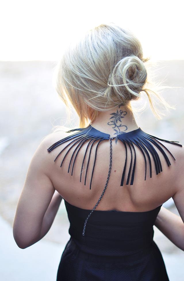 leather-fringe-collar-necklace-diy_back