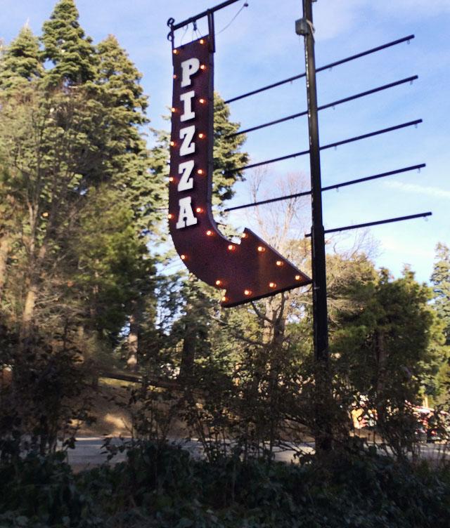 Lou Eddies Pizza Lake Arrowhead-5