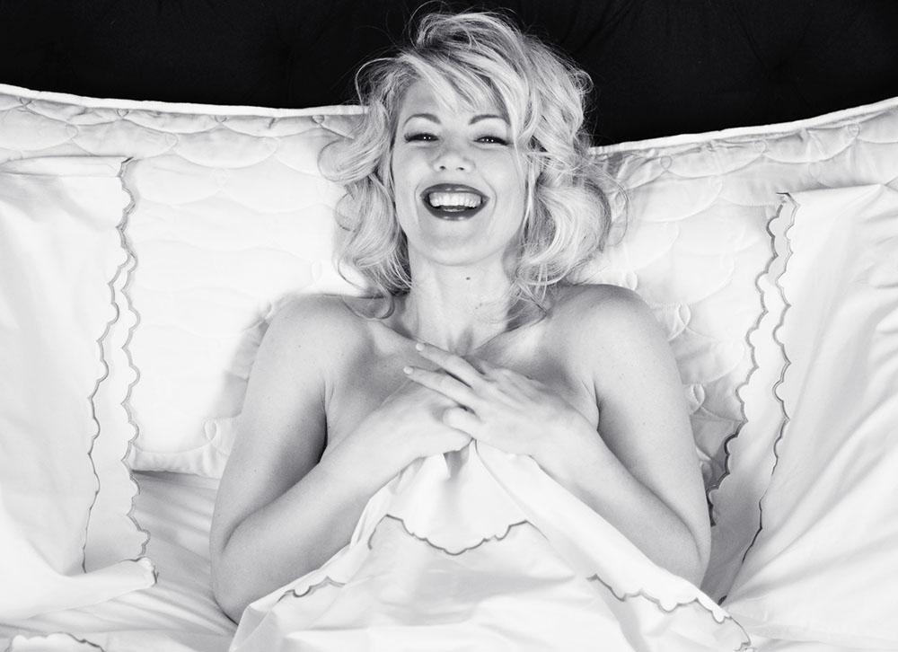 Marilyn in bed by Maegan Tintari_4