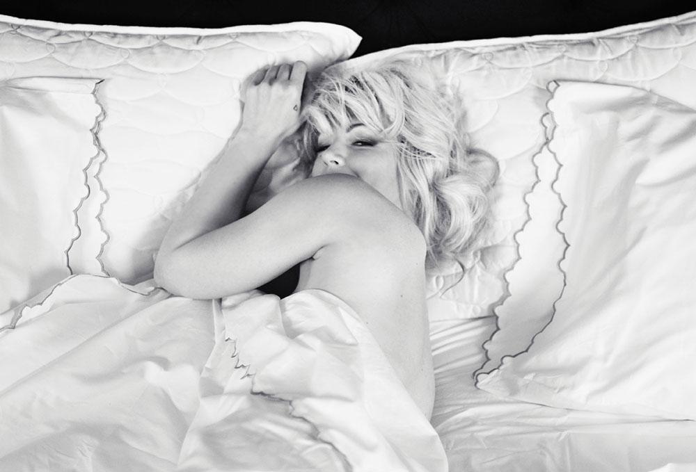 Marilyn photoshoot_Bed_MaeganTintari
