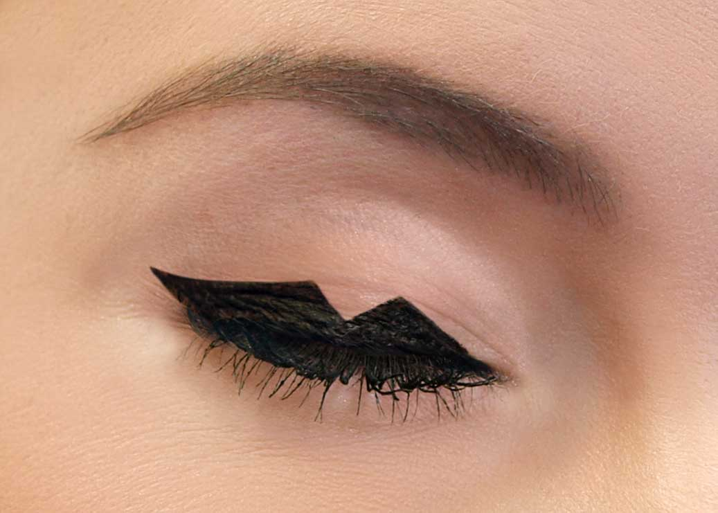 Graphic Feline Eyeliner Tutorial