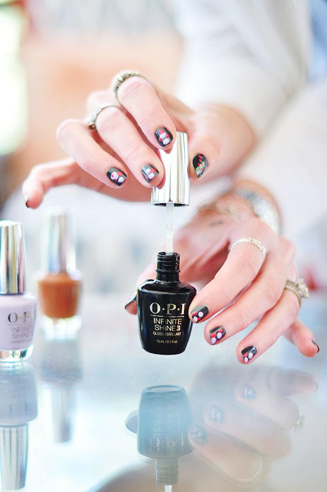 OPI Infinite Shine Gloss Top Coat 1