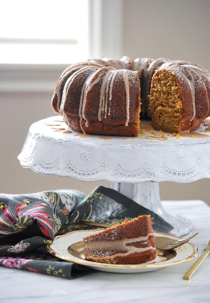 Pumpkin-Cake-with-Cinnamon-Vanilla-Glaze-4