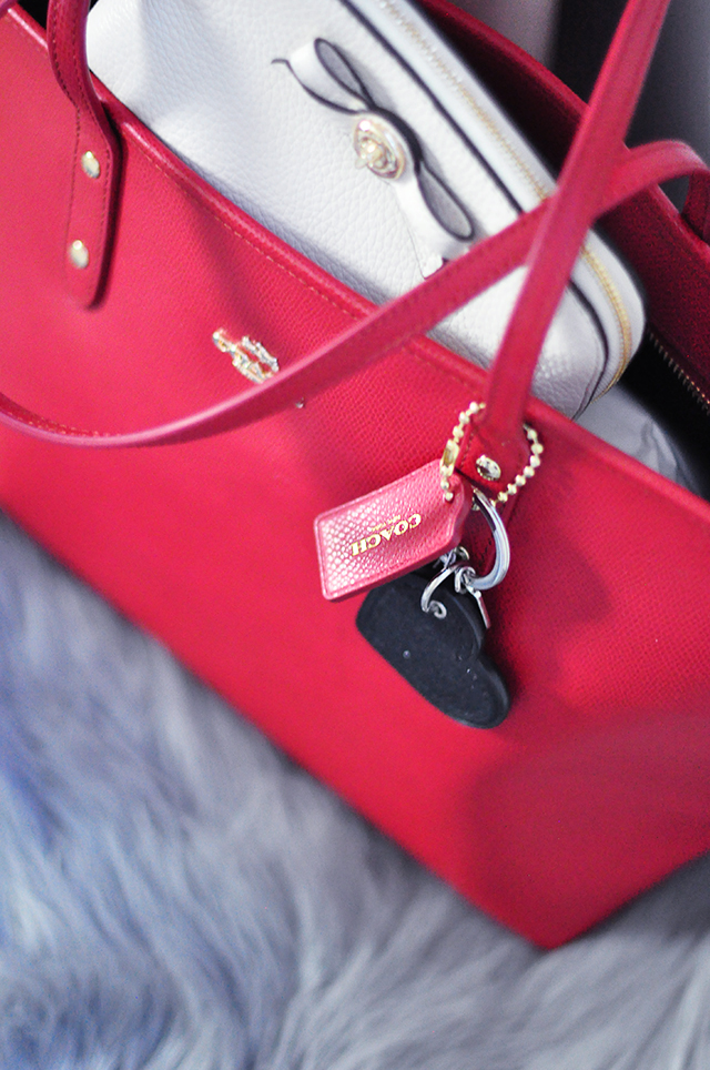 Red Coach tote bag_heart keychain