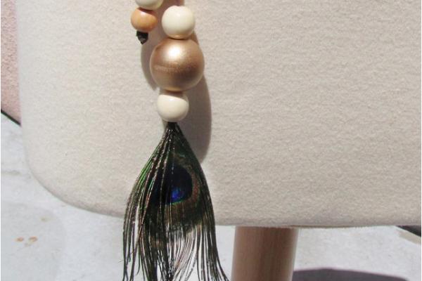 feather lariat