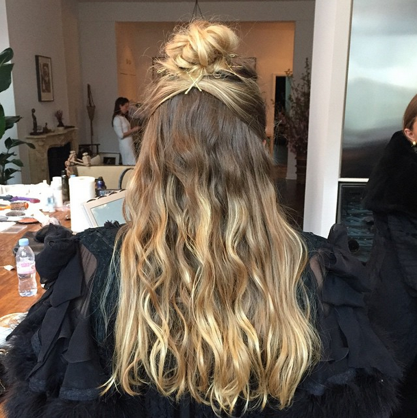 Mary Kate and Ashley Olsen get ready for the Met Gala 2015