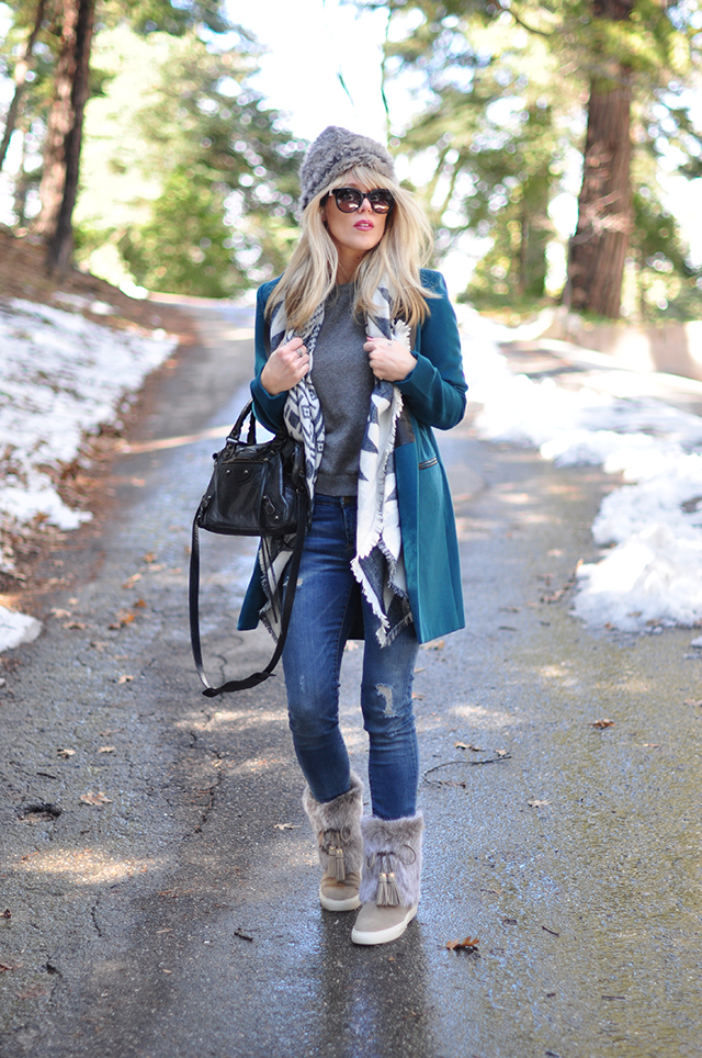 Style in the Snow_Balenciaga bag_Tory Burch boots