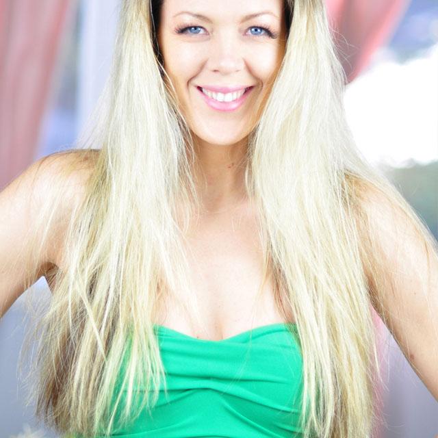 Tinker-Bell-Makeup-Hair-Tutorial-10