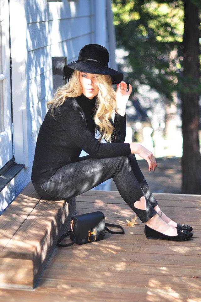 black on black-heart jeans -flats -hat- 60s style